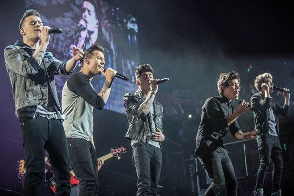 O One Direction em show na Arena O2,em Londres: grande parte  do filme se passa na apresentação (Sony Pictures/Divulgação)