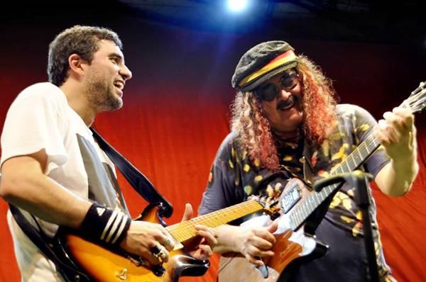 Moraes Moreira divide o palco com o filho, Davi (Antonio Cesar/Divulgação)