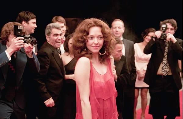 Lovelace (Amanda Seyfried): protagonista de um clássico do cinema erótico (Paris Filmes/Divulgação)