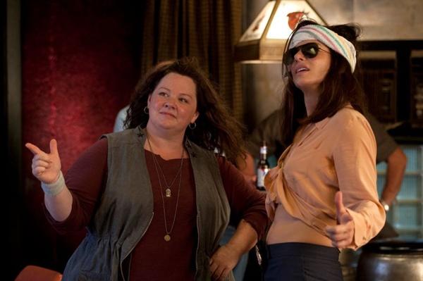 Mullins (Melissa McCarthy) e Ashburn (Sandra Bullock): estilos em choque (Paris Filmes/Divulgação)