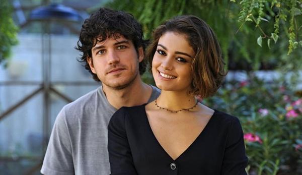 Marco e Sophie estão atualmente no ar como o casal Bento e Amora em Sangue bom (Tv Globo/Divulgação)