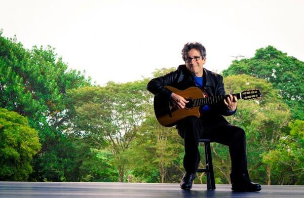 Wave e Samba do avião estão no repertório do show (Dani Gurgel/Divulgação)
