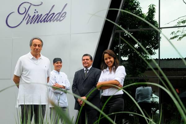 O chef Dior Marques, o gerente João Cavalcante e a coordenadora de eventos Samyra Melo são os destaques na equipe de José Roberto Giancoli (E)  (Janine Moraes/CB/D.A Press)