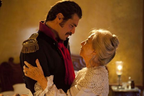 Fernanda Montenegro é Bibiana: destaque na atuação e na voz que narra o longa ( Downtown filmes/Divulgação)