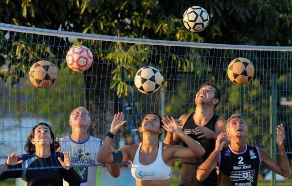 A Ascade é um dos locais que oferecem aulas de futevôlei: até quatro treinos por semana (Edilson Rodrigues/CB/D.A Press)