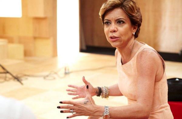 Astrid Fontenelle, que foi VJ da emissora, fez a apresentação final (Marcia Alves/Divulgação)