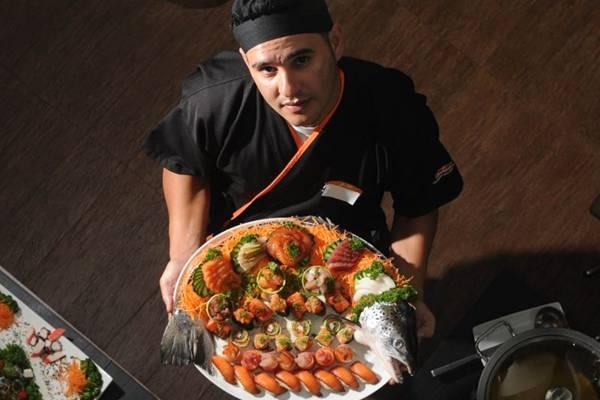 Sushiman Ximenes Filho exibe sushis e sashimis com salmão, atum e peixes brancos (Geyzon Lenin/Esp. CB/D.A Press)
