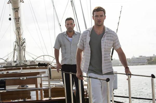 Timberlake e Affleck são os protagonistas de Aposta máxima: atuação abaixo da média  (Fox Films/Divulgação)