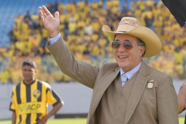 Tony Ramos é o protagonista da série ao lado de Denise Fraga (Zé Paulo Cardeal/TV Globo)