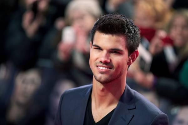 Taylor Lautner é conhecido pelo papel de Jacob da série Crepúsculo (Joe Klamar/AFP Photo)