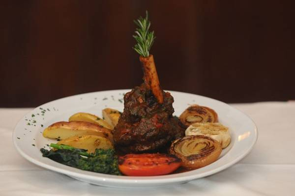 Cordeiro com pesto de hortelã chama a atenção no menu da Peluso (Iano Andrade/CB/D.A Press)