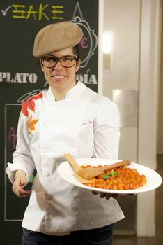 Depois de atuar em novelas, Juliana Aguiar cria pratos com ingredientes brasileiros em seu restaurante  (Santo/Divulgação)