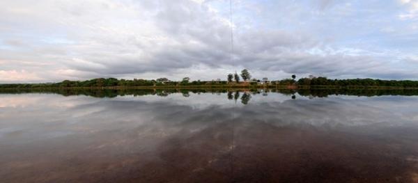 Imagem panorâmica da Lagoa Feia: beleza a 75km de Brasília (Douglas Goncalves/Secretaria de Turismo de Formosa)