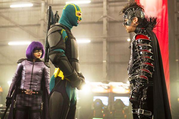 Hit Girl, Kick-Ass e o vilão Motherfucker: trio de personagens dão carga de emoção a um roteiro previsível (Paramount Pictures/Divulgação)