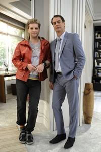 Niko fica arrasado ao ver que Eron aceita a sua saída de casa  (Estevam Avellar/TV Globo)