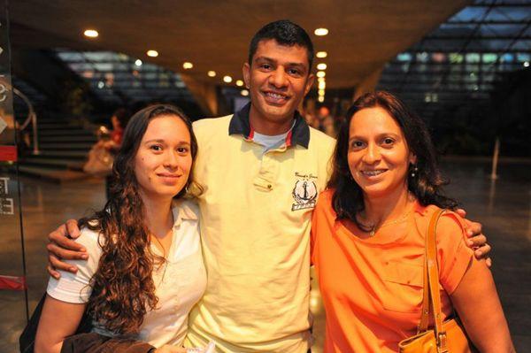 Mariana Abreu, Raphael de Oliveira e Cláudia Abreu (Luis Xavier de França/Esp. CB/D.A Press)