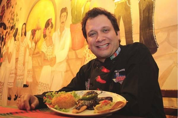 David Lechtig apresenta o mole poblano, um prato mexicano (Viola Júnior/Esp. CB/D.A Press)