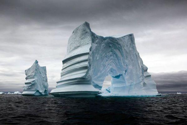 Cena de O nascimento de um iceberg, atração desta sexta: filmagem de grande risco (BBC de Londres/Divulgação)