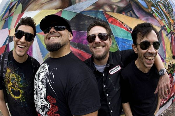 O destaque é a banda Raimundos, a headline do evento (Patrick Grosner/Divulgação)