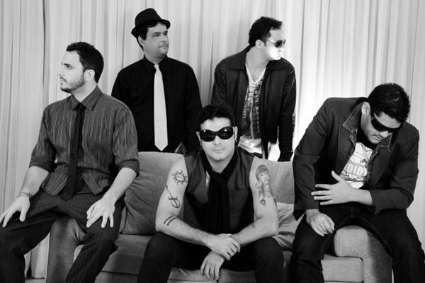 Paulo Mesquita e os Brancos trazem um repertórios recheado de rock nacional  (Gabriel Souto/Divulgação)