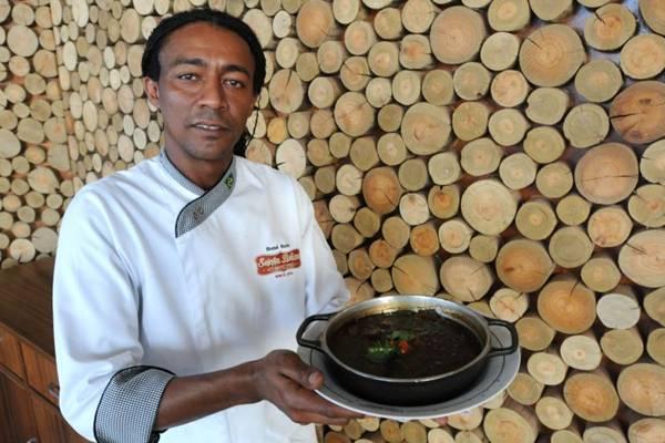 O chef Bené Reis, do Santa Brasa, aprecia o uso das qualidades das cervejas em receitas (Carlos Moura/CB/D.A Press)