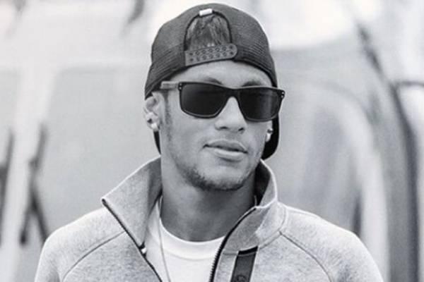Neymar: 'Ultimamente tenho tido alguns aborrecimentos com pessoas que se dizem fã' (Reprodução/Instagram@neymarjr)
