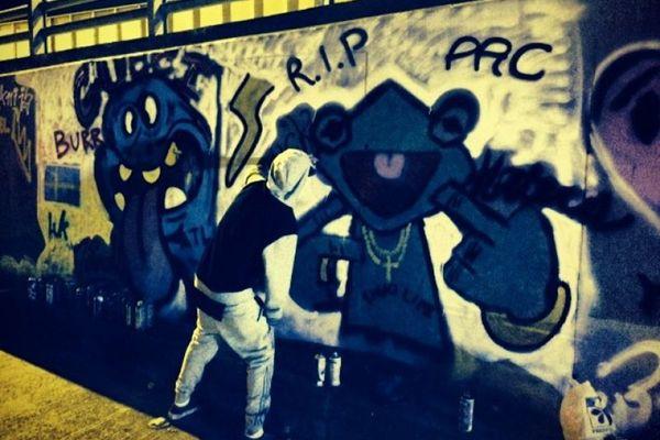 O cantor já havia grafitado um muro durante passagem pela Colômbia (Instagram Justin Bieber/Reprodução)