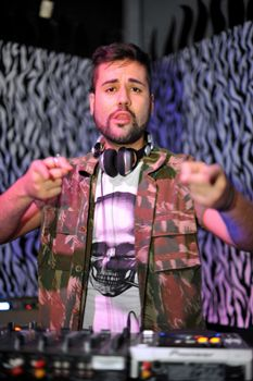 O DJ Bruno Antun é uma das atrações da festa (Luis Xavier de França/Esp. CB/D.A Press)