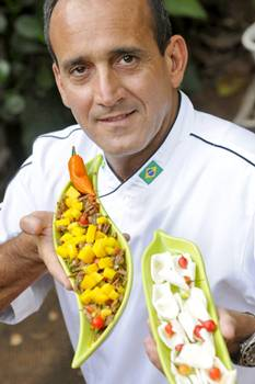 Paulo Maurício, do Ilê, combina manga e lagarto na entrada carne louca (Carlos Vieira/CB/D.A Press)