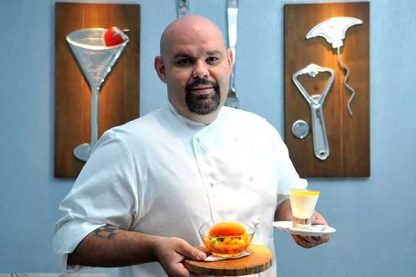 O chef Agenor Maia apresenta criações com manga no menu do restaurante Olivae (Marcelo Ferreira/CB/D.A Press)