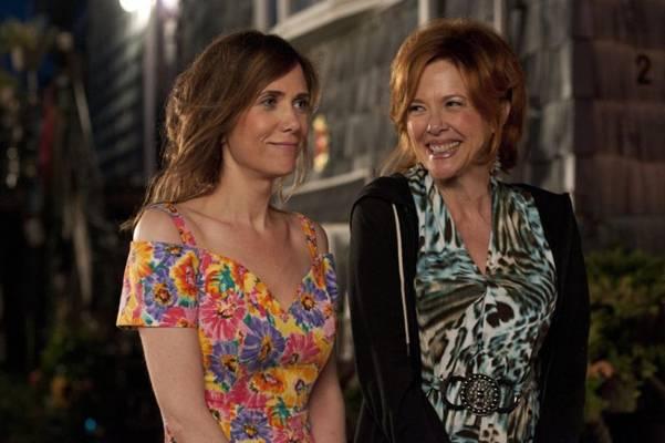 O problemas de Imogene (Kristen Wiig) a fazem ser mais compreensiva com a mãe, Zelda (Annette Bening)  (Paris Filmes/ Divulgação)