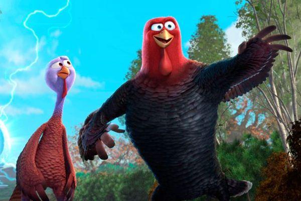 Jake e Reggie, dois perus com o desafio de evitar que sua espécie acabe como prato tradicional no Natal (Imagem Filmes/Divulgação)
