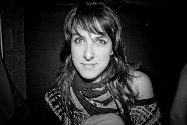 A DJ Mari Leone é a principal atração do evento (Facebook/Reprodução)