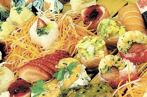 As opções do restaurante Sumô podem levar frutas, guacamole e tahine (Carlos Vieira/CB/D.A Press)