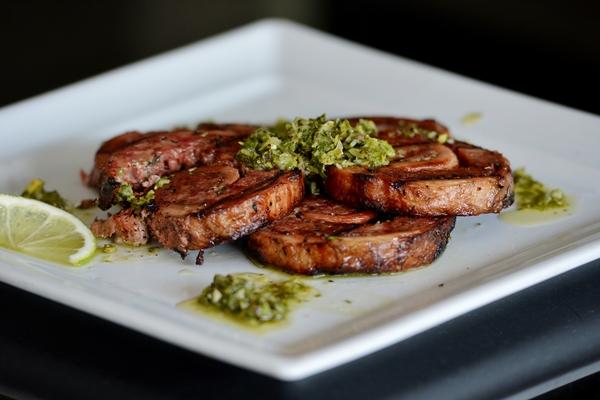 Matambre com molho chimichurri, do chef Marcello Piucco, do Restaurante El Negro (Gustavo Moreno/CB/D.A Press)