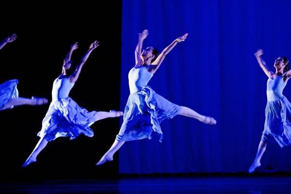 Cena de Serenade: número foi criado pelo russo George Balanchine (Cristiano Sergio/Fotoforum)