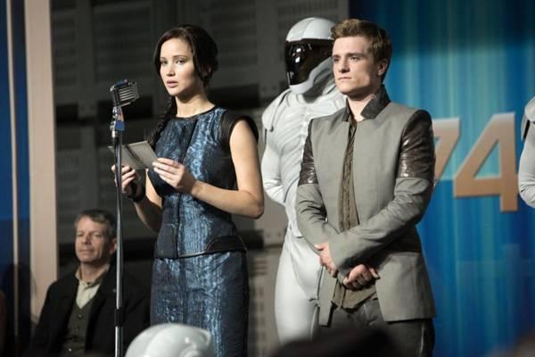 Katniss (Jennifer Lawrence) e Peeta (Josh Hutcherson): vencedores da 74ª edição dos Jogos Vorazes inspiram revolução (Paris Filmes/Divulgação)