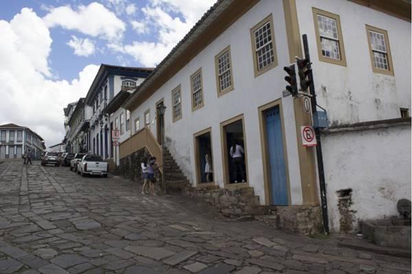 O turista pode aproveitar para conhecer pontos como a Casa Chica da Silva, a Igreja do Carmo, Catedral Metropolitana (Wanderson Abreu/Divulgação)