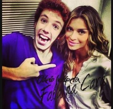 Nos comerciais da Vivo, João contracena com a atriz Grazi Massafera (@joao_cortes/Instagram/Reprodução )