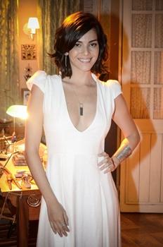 A novela terá cena com várias atrizes nuas fotografadas por Marina (Tainá Muller) (Raphael Dias/TV Globo)