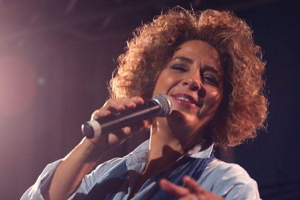 Sandra Duailibe cantará sambas, bossas e boleros neste sábado (Carlos Sodre/Divulgação)