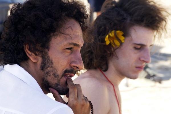 Clécio (Irandhir Santos) e Paulete (Rodrigo García): os cabeças do grupo artístico enfocado no longa (Imovision/Divulgação)