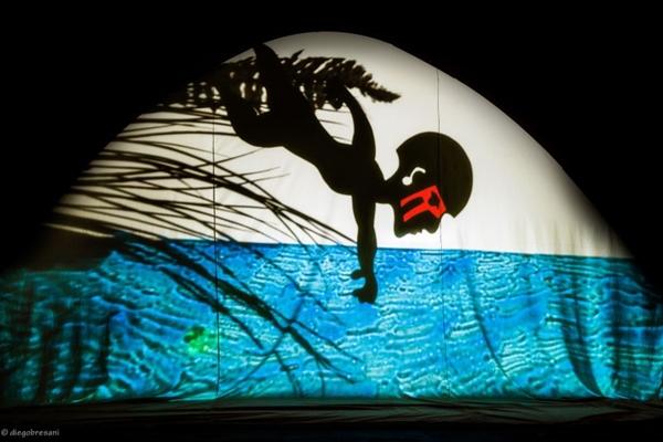 projeções ganham cor até mesmo nas sombras (Diego Bresani/Divulgação )