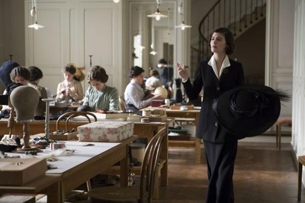 Atriz Audrey Tautou em cena do filme Coco antes de Chanel  (Chantal Thomine/Warner Bros/Divulgação)