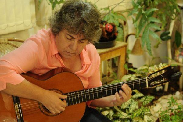 Valéria Fajardo mostra sua música no teatro do Brasília Shopping  (Maria Antonia Zanta Nobre/Divulg)