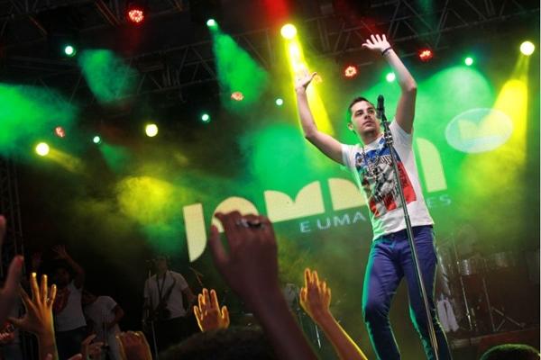 Levi Lima é o atual vocalista da banda de axé (Sercio Freitas/Divulgação)