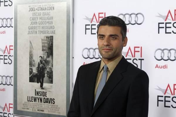 Ator Oscar Isaac vive o personagem principal de 'Inside Llewyn Davis - Balada de um homem comum' (Fred Prouser/Reuters)