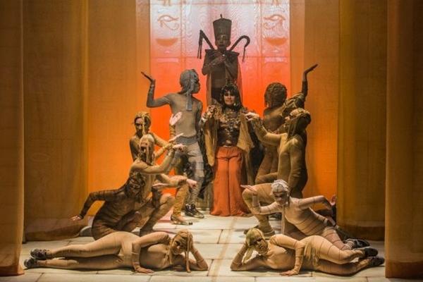 Cena de Pipocas de papiro: Egito antigo com toques de modernidade  (Tiago Trindade/Divulgação)