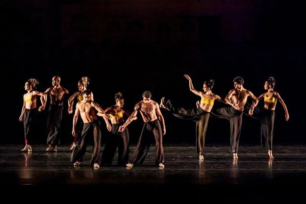 Triz é fruto da força de vontade do coreógrafo Rodrigo Pederneiras ao superar contusões (Sharen Bradford/Divulgação)