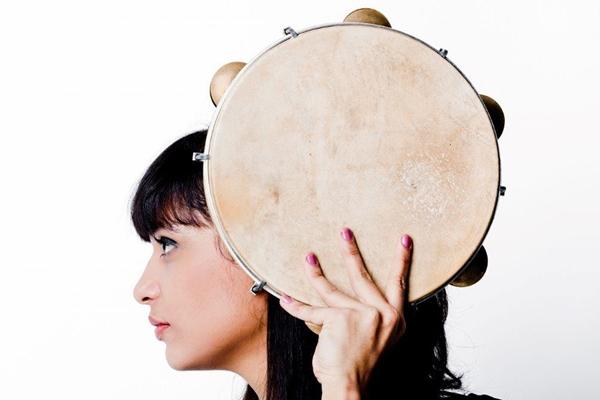 Marina viaja entre a poesia e música em suas composições  (Marcelo Kahn/Divulgação )
